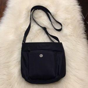 lululemon athletica Bags - Lululemon All Set Mini Bucket Bag Midnight Navy